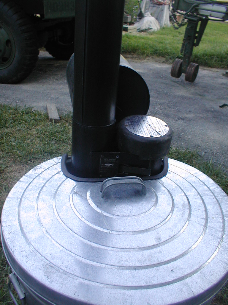 Trash can lid mod for immersion heater