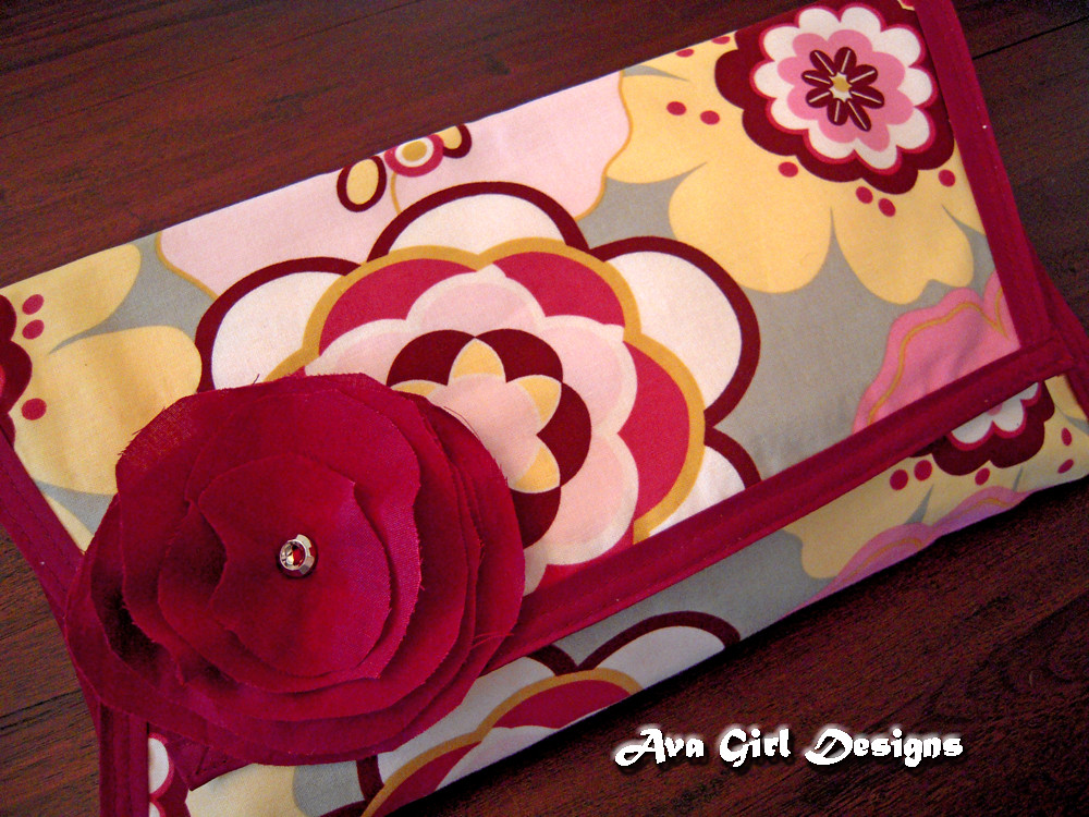 Kleo Pink Changing Pad Clutch