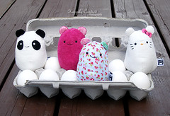 Egg Carton Caveys (Milkdoll (Moved to new account!)) Tags: cute love toys kawaii plushie eggs eggcarton heycavey hellokittycavey plainpinkcavey floralcavey pandacavey