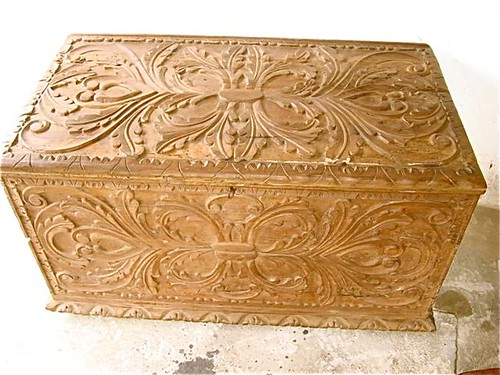 ecuador-antique-coffer