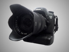 Canon EOS 7D mit Batteriegriff BG-E7