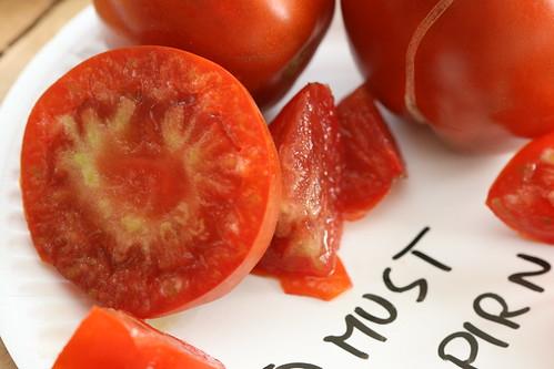 "Tomato ""Must pirn"""
