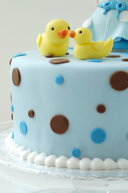 Polka dot Baby Shower cake - ducks