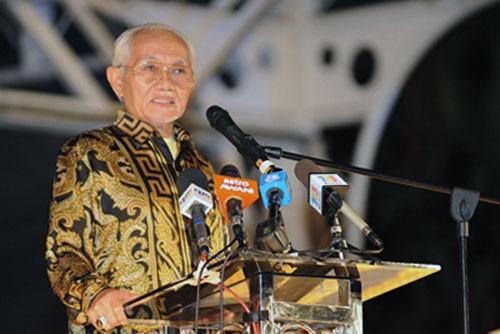 4924290361 09a2144310 Tan Sri Taib Mahmud, Rasuah & Kuasa di Sarawak
