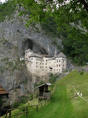 Predjamski Grad (3) (marc_vie) Tags: slovenia cave slowenien grad castel burg grotte höhle slovénie slovinsko predjama lueg höhlenburg predjamski lueghi