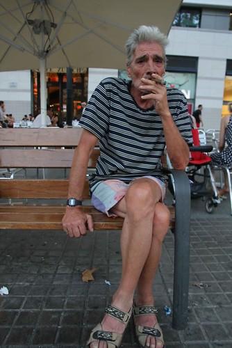 10h21 Barcelona076 Señor fumador