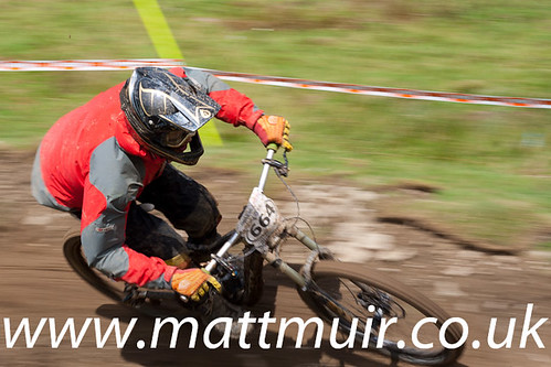 664 - Andy FARLEY - Junior Men - Wheelbase.Co.Uk, British Downhill Series 2010 - Round 4 - Moelfre - photo ID 5