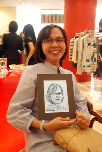 Portrait live sketching for Marella boutique - 3