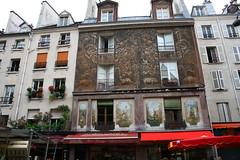 Paris -- Rue Mouffetard (ElishaBrady) Tags: paris france ledefrance rpubliquefranaise ruemouffetard frenchrepublic lamouff