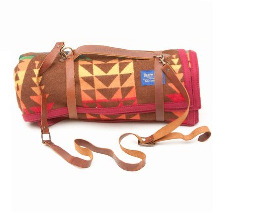 Pendleton-Blankets-and-Carriers-1