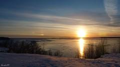 La nuit vient. The night comes. (Amiela40) Tags: sunset river beaut coucherdesoleil fleuve luminosit flickraward
