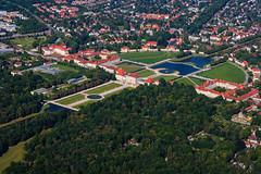 Barocke Gartenkunst in Schloss Nymphenburg im Luftbild (DELTA IMAGE) Tags: schloss schlossnymphenburg münchen oberbayern luftbild nymphenburg wittelsbacher bayern