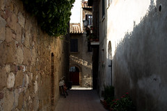 Pienza (angie.martina) Tags: pienza toscana italy streetview shadow light color summer architecture travel discover borghi walking landscape life town