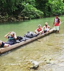 . @Regrann del día para @charlieccruz - Comunidad indigena El Yucal - Panguí, Chocó, Colombia. En el municipio de Panguí, y luego de una caminata de casi 4 horas, se ubica El Yucal, una pacífica y alegre comunidad indígena de nuestro país. Llevamos las te (EnMiColombia.com) Tags: foto regrann del día para charlieccruz comunidad indigena el yucal panguí chocó colombia en municipio de y luego una caminata casi 4 horas se ubica pacífica alegre indígena nuestro país llevamos las telecomunicaciones cualquier lugar colombiaentumano terecomendamoscolombia embera idpacifico idcolombia