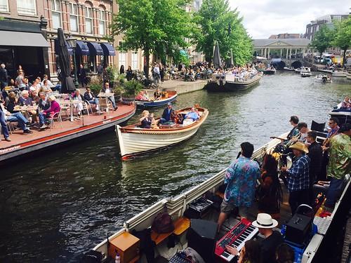 arps paularps netherlands nederland culture cultuur wow woodstockonwheels leiden europa europe grachten canals stadsbrouwhuis stadsbrouwhuisleiden beer bier café brewery