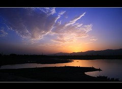 Rawal Dam Today (Emran Ashraf) Tags: blue pakistan sunset sky nature clouds imran islamabad rawaldam memorialpower imranashraf