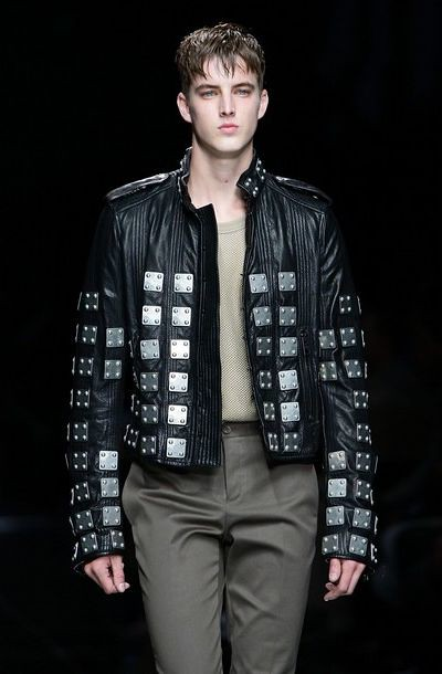 James Smith3112_SS11_Milan_Burberry Prorsum(daylife)