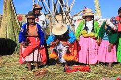 Lake Titicaca: Uros Islands (zug55) Tags: lake peru uros urosislands laketiticaca titicaca totora reeds lago per laketitikaka lagotiticaca totorareeds islasdelosuros islasuros reservatiticaca reservanacionaldeltiticaca