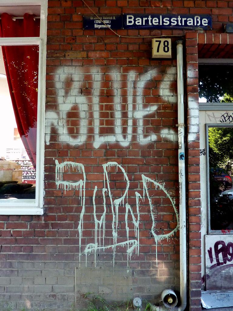 Tags in hamburg 2010 kami68k graz tags graffiti tag hamburg blues