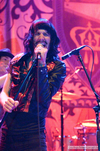 Hole-Foxy Shazam @ 930 Club, Washington, DC (6-28-2010)-8918
