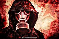 Metro 2033 Tribute (Estrella Daz Photovisual) Tags: red canon metro portait gamer gasmask 365 mscara 50mm18 tacita 365days postproduccion metro2033 estrelladaz wwwestrelladiaznet estrelladiaz tacita85