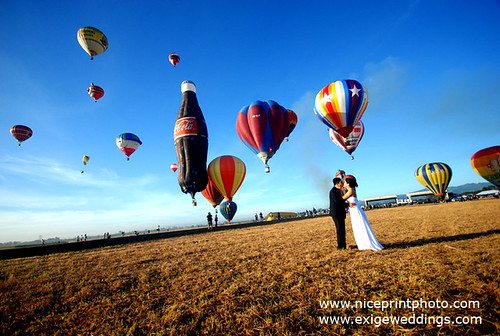 "WEDDING DURING THE HOT AIR BALLOON FEST BY ""NICE PRINT PHOTOGRAPHY"""