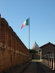 Spalti (MBM51) Tags: roma italia sanpietro castelsantangelo lazio bandiere cupoladisanpietro mausoleodiadrianospalti