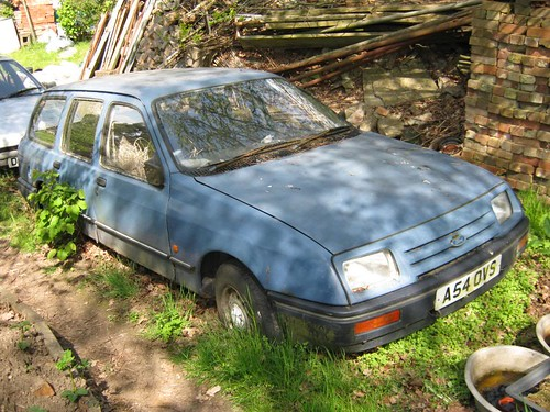 DECEMBER 1983 FORD SIERRA 1593cc BASE ESTATE A54OVS