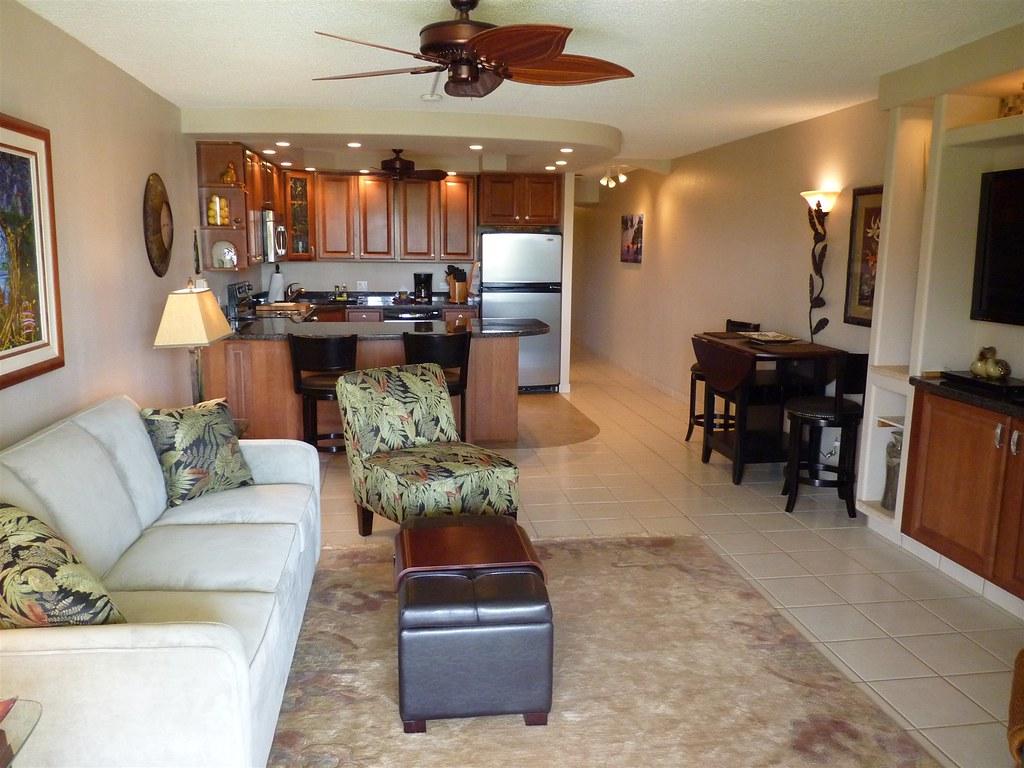 Kamaole Sands 10-213 Living Area
