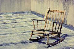 Entropía - El Abandono (Kathy ;)) Tags: silla abandono mecedora desgaste entropía