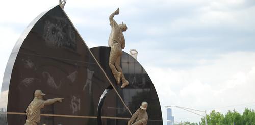 whitesox-statue