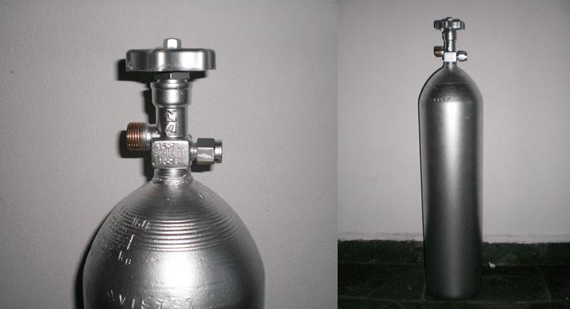 Cilindro de CO2 4784039318_4b2e18374b_b