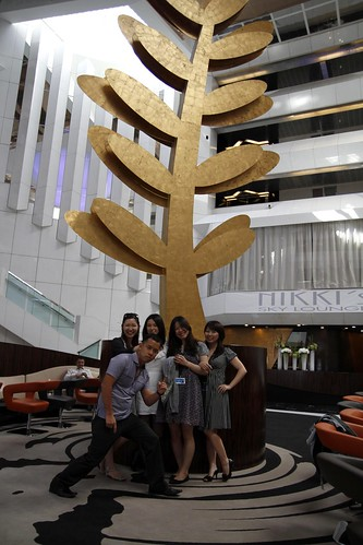 Ming Jin with Moon Lai, Mayuko, Tomoko and Yuiko the Asst Producer at Palais Stephanie