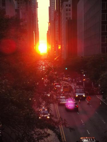Manhattanhenge lense flare