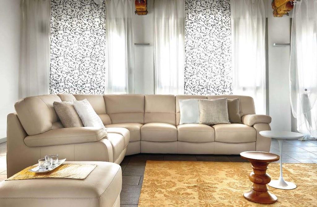 Divano classico in pelle best divano in pelle old style - Divano color prugna ...