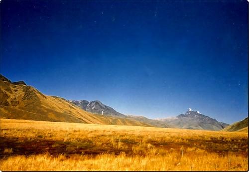 Paisaje andino  cerca de Juliaca Perú