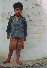 (Monica Forss) Tags: boy portrait india film analog 35mm canon children eos asia analogue pushkar rajasthan travelphotography canoneos1000