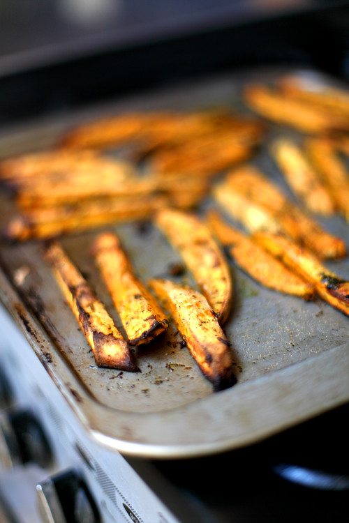 :: Herby Sweet Potato Chips