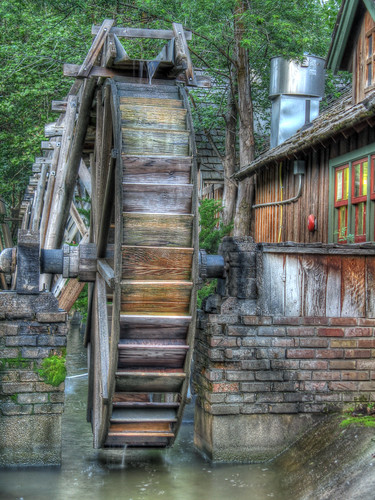 WaterWheel color - HDR