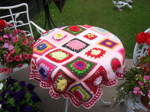 Yes it would make a nice tablecloth! .....>