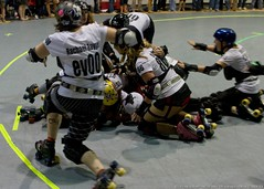 Bosses_vs_Sirens_2010-07-17_106 (TexGeo) Tags: 5 five houston roller derby bout hrd