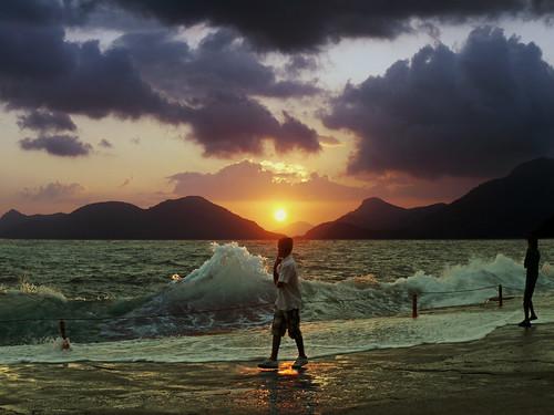 フリー写真素材, 人物, 人と風景, 海, 夕日・夕焼け・日没,