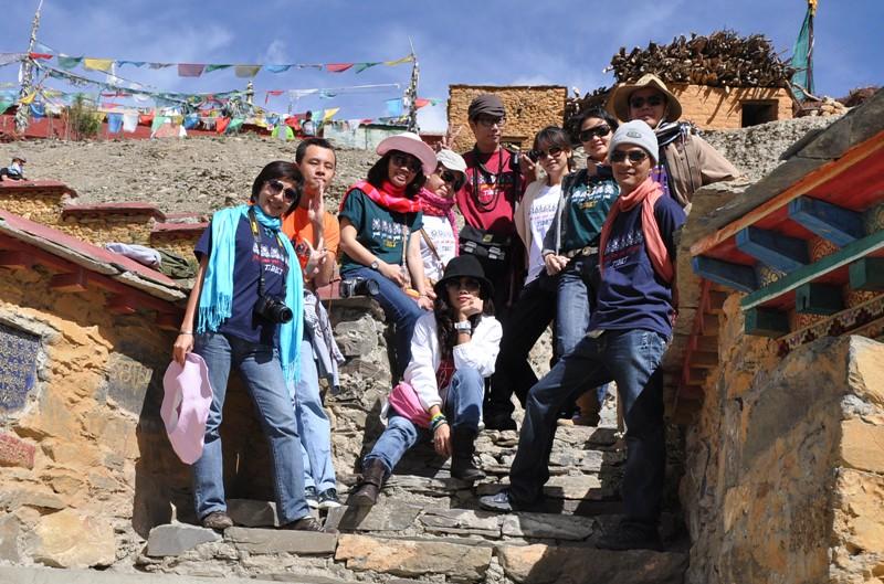 tb june 22-2010 tombs of Tibetan Kings