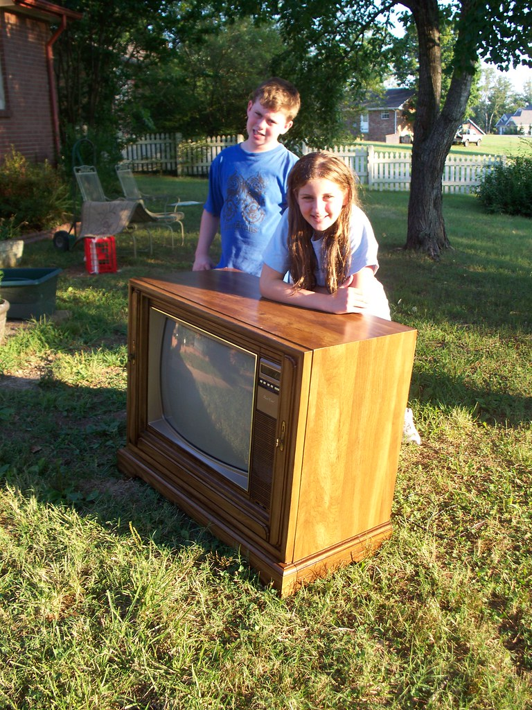 Sears & Roebuck Color Television made 1984.