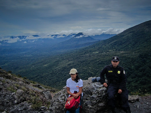 Los Volcanos NP 20 - Our guide and our police escort at the top of Izalco