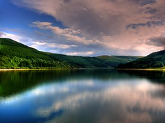Talybont Reservoir, Brecon Beacons National Park, Wales (leslievella64) Tags: park leica uk lake reflection nature water wales nationalpark europe cymru eu reservoir breconbeacons leslie brecon hdr galles talybont leslievella64