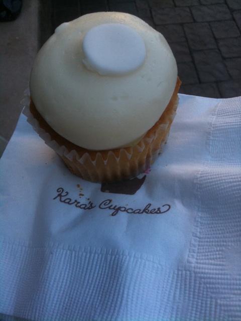 Kara's Cupcakes! Yum! Key lime pieeeeeeee