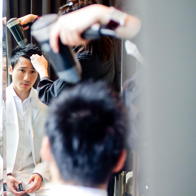 Raymond Phang Photography - Groom getting ready