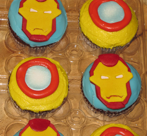 Iron Man Cupcakes - detail
