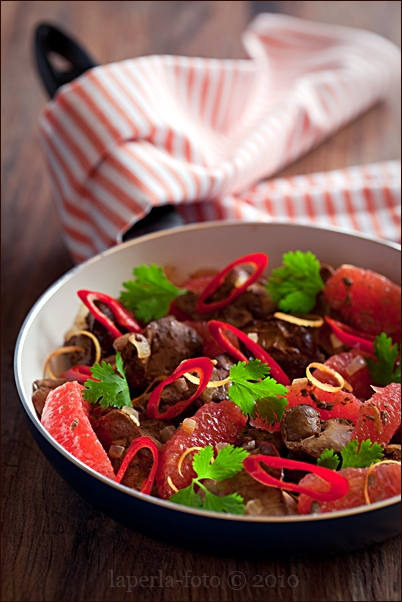 Chicken liver with chilli and grapefruit